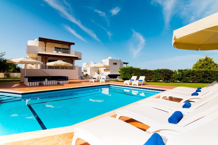 Villa Proteus - 5 Bedroom with private pool