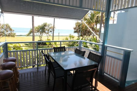 Tangalooma Beachfront Villa 13 - Air Conditioned