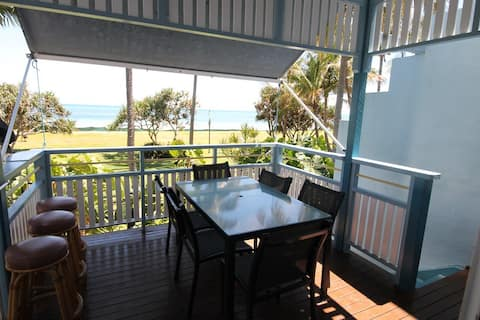 Tangalooma Beachfront Villa 13 - Air Conditioned