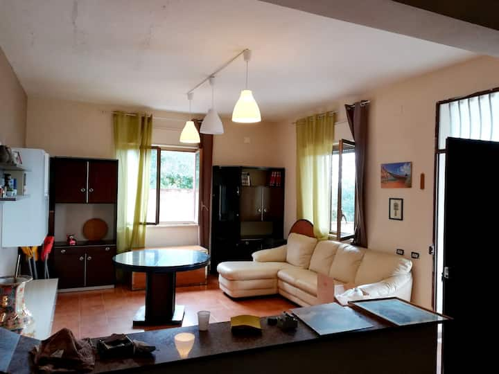 House with 2 bedrooms in Villagrazia di Carini, with wonderful sea view and enclosed garden - 3 km from the beach
