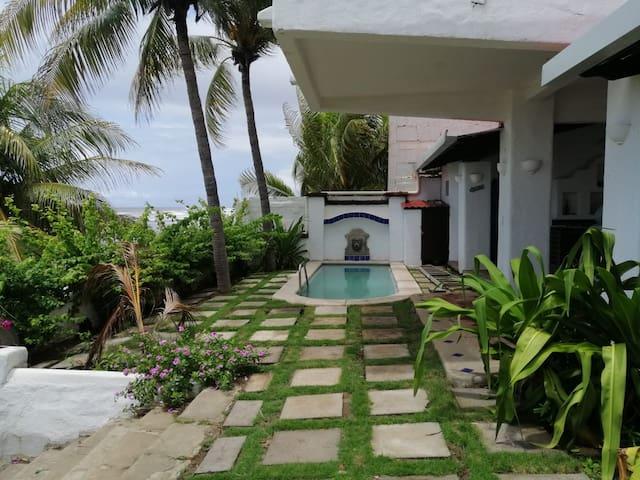 Villa Leone  del  Mar,  Ocean Front Home