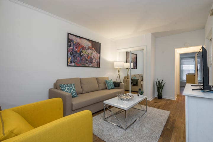 GORGEOUS Apartment with Deck - Close to Merriam, Kimmel, Academy of Music