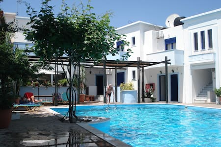 Parthenon Apartments - Anaxos Skoutarou