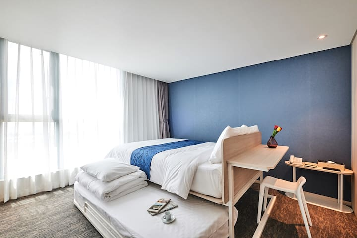 Comfortable room with Ocean View 1