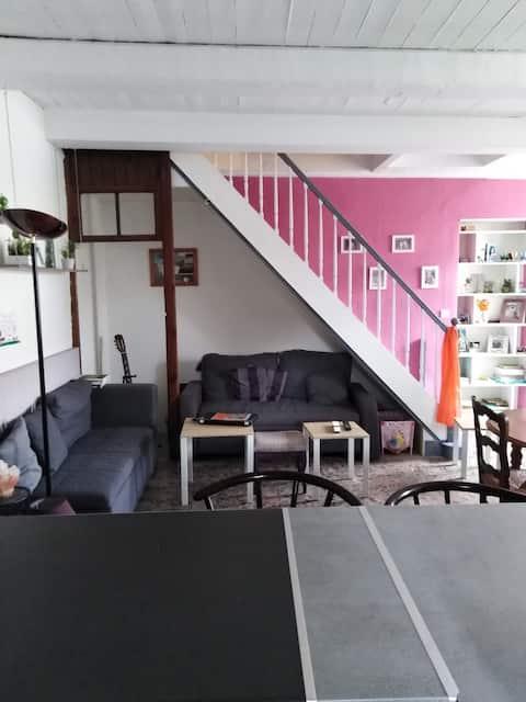 Petite maison de bourg à 2 pas de La Rochelle