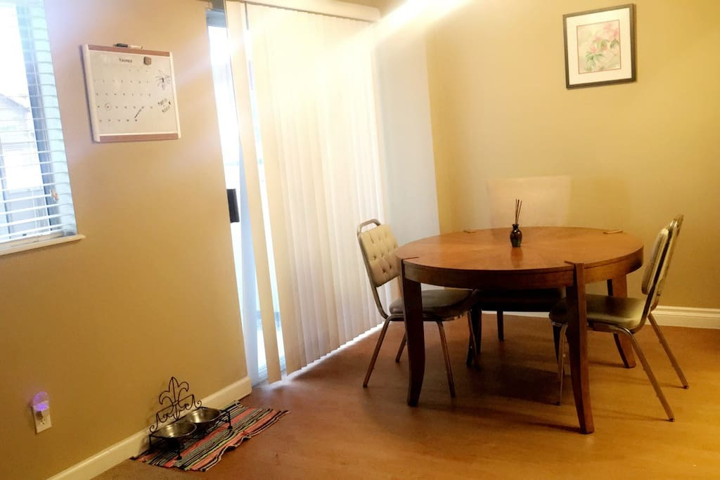 the dining table right off of the kitchen