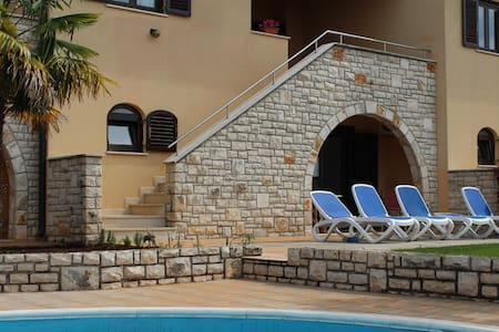 Casa Ulika,  place for a perfect family holidays - Brnobići - Hus