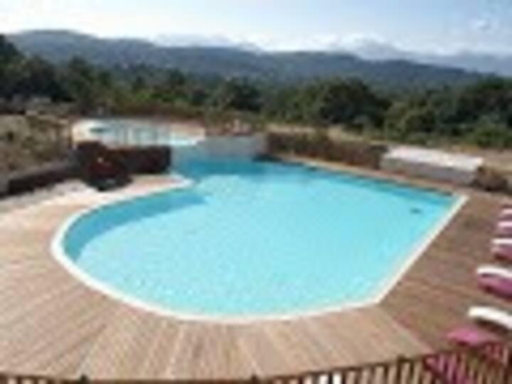 Villa avec piscine, 3 chambres terrasse proche mer