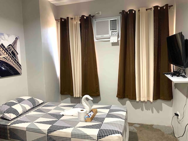 AFFORDABLE ROOM LOCATED AT D' HEART OF THE CITY