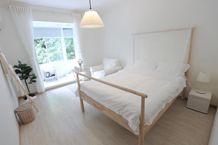 予舍设计师的民宿U_ROOM 3 带投影 超级北欧风格的设计 临近市中心及 凯德