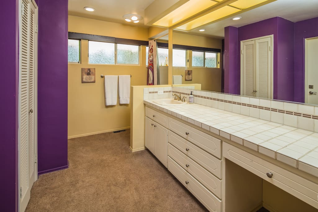 Bathroom to include, Shower, tub combo