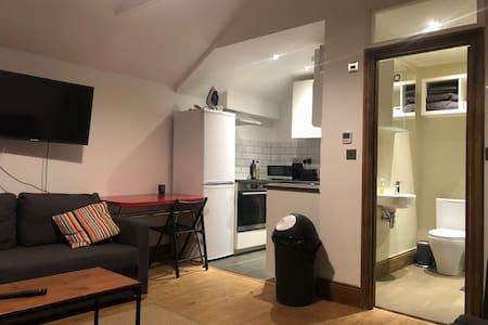 Cosy Studio Flat near Alexandra Palace