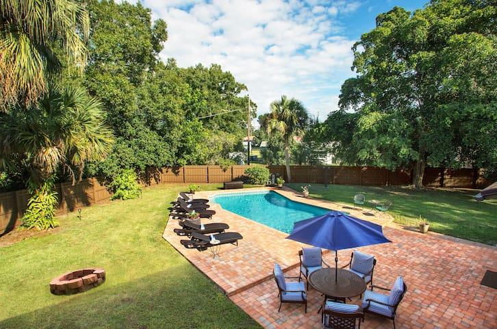 Exquisite Vero Beach Pool House