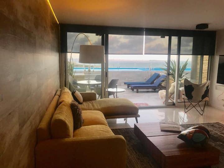 Espectacular apartamento con balcon y pileta