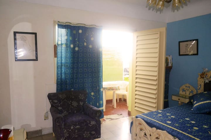 B&B Calle 23 - Double Bedroom in Vedado