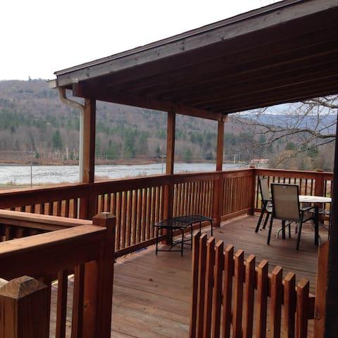 Beautiful Tannersville  Ski Retreat - Tannersville - บ้าน