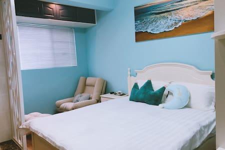 柒月空间精品民宿 蓝色海洋大床房
