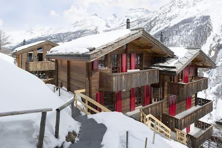 FLAIR, das Chalet mit Flair für 4 Personen - Saas-Fee - Blockhütte