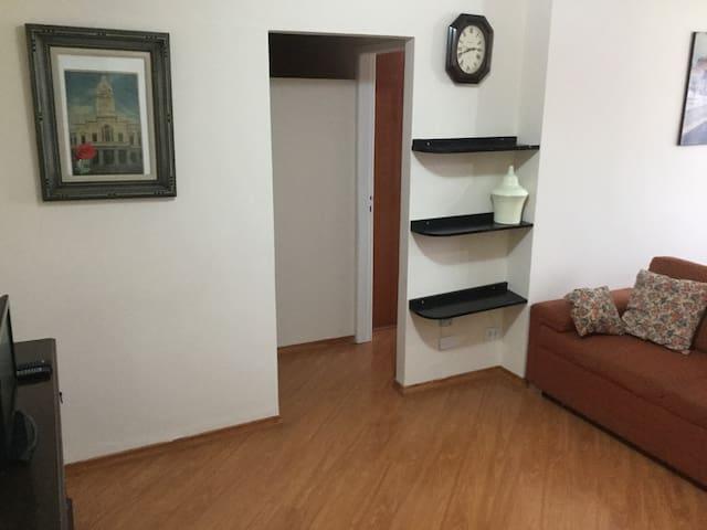 Apartamento completo com localização excelente