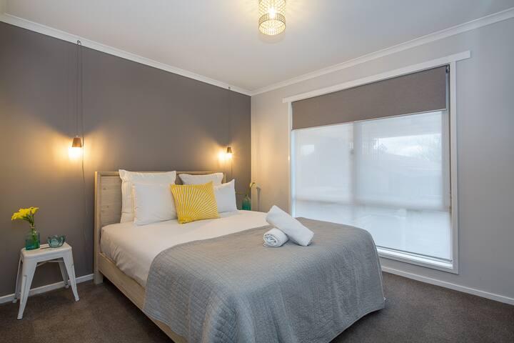 Bedroom 2 - Queensize bed