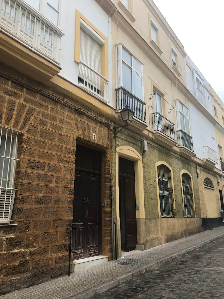 House with 3 bedrooms in Cádiz, with wonderful city view, balcony and WiFi