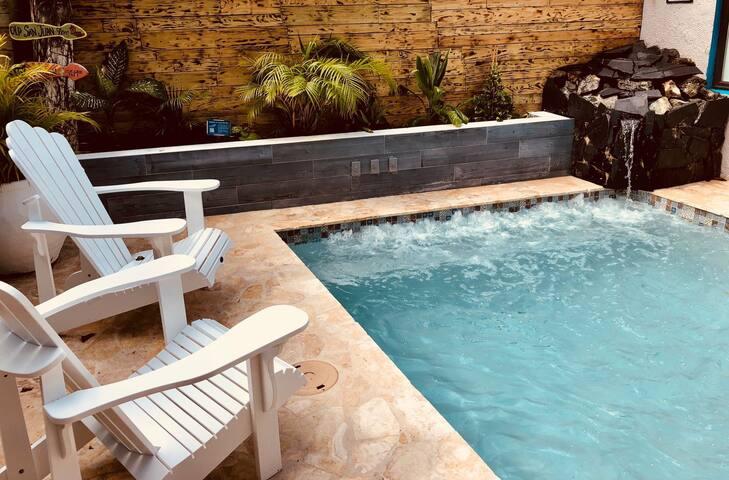 Queer 420 villa 33 huéspedes playa jacuzzi piscina