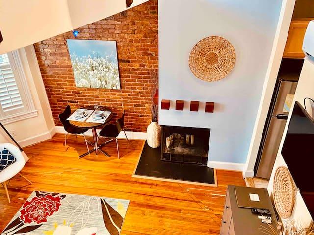 Sunny, Private, Capitol Hill Studio Loft Apartment
