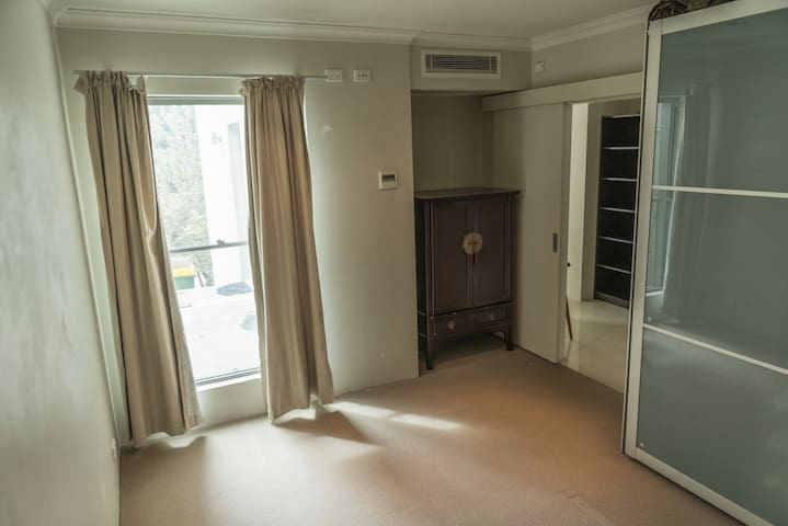 Shimmery Lakestay 3km from CBD - West Leederville - Apartament