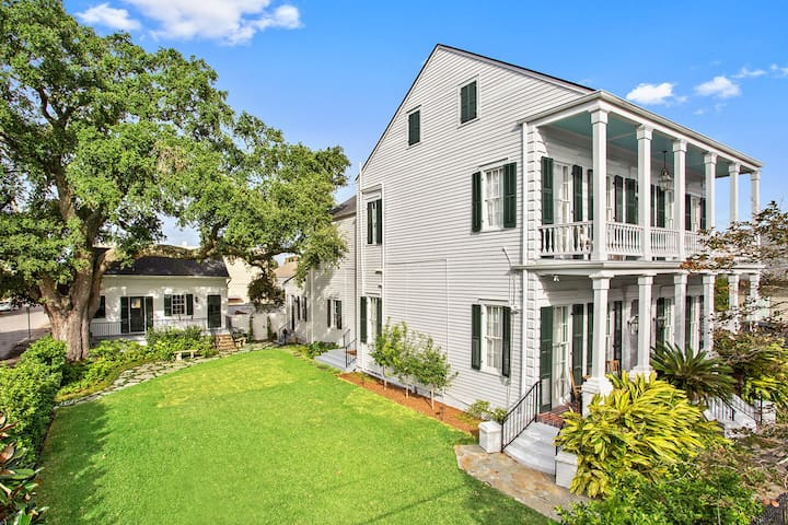 The mazant historic mansion in the bywater case in for Letto in stile piantagione
