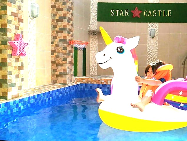 STAR CASTLE : Cozy Home Batu Malang(Pool&Jacuzzi)