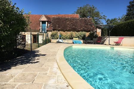 Vacation home with pool in France - Cavagnac - Ház