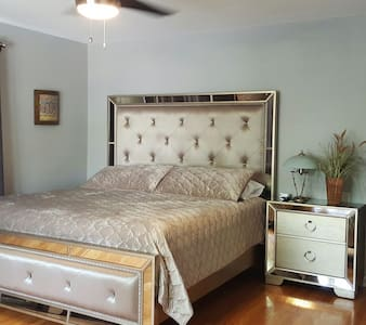 Traveling Executive, King Bedroom, 2nd & Bath ! - 앨런타운(Allentown)