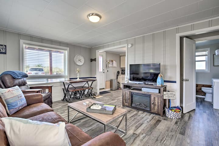 Oceanfront Rockaway Beach Condo: Pet-Friendly