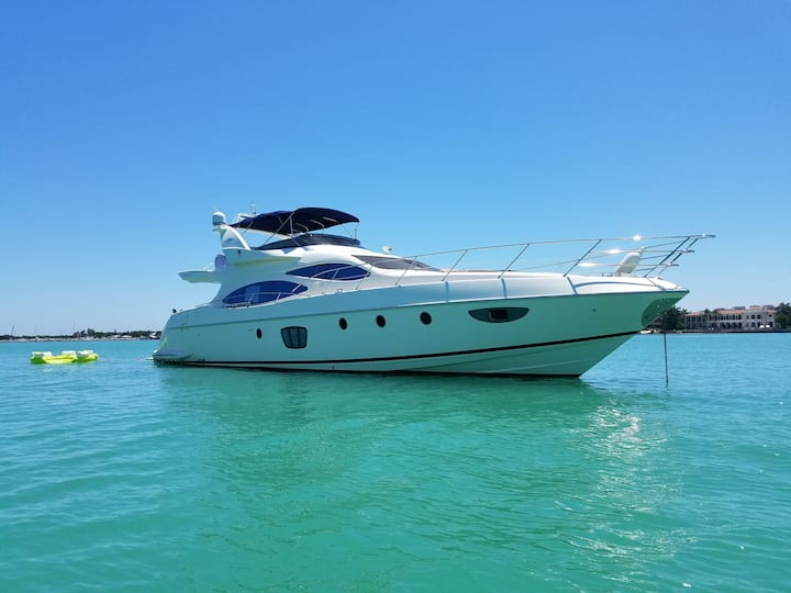 62 Azimut - Rent a Luxury Yachting Experience!