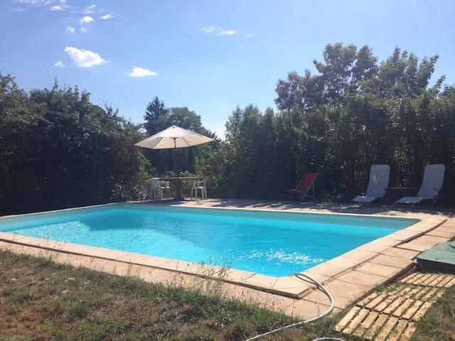Gîte 8 pers avec piscine privée et Wifi - Parnac - Huis