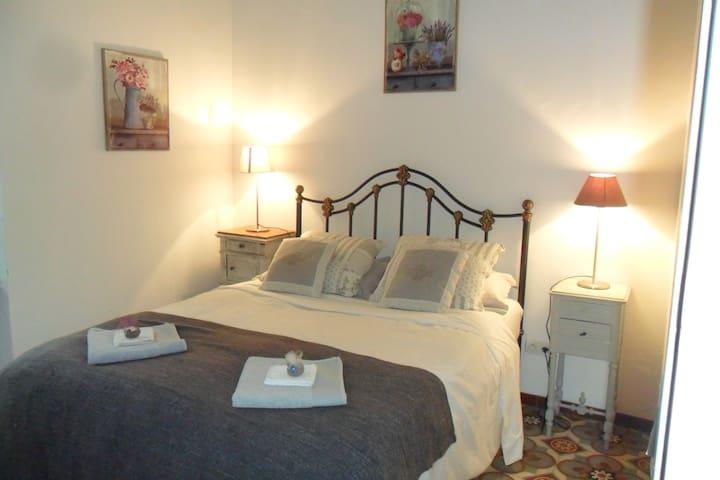 Languedoc Retreat Stone cottage w 2 double berooms - Roquebrun - Maison