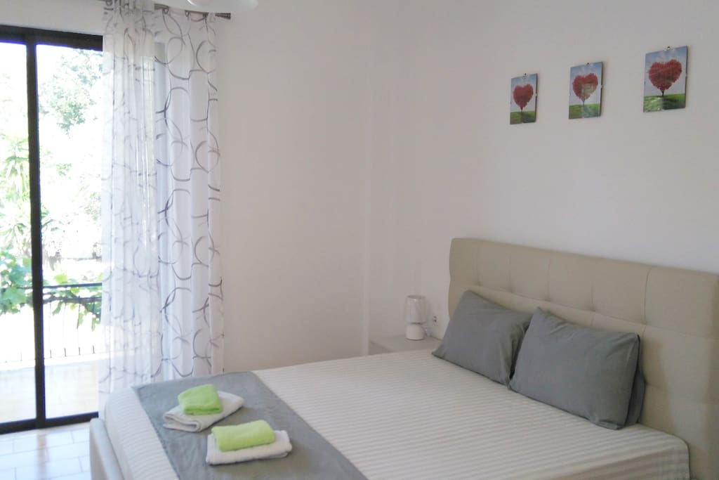 Double bed , King Size