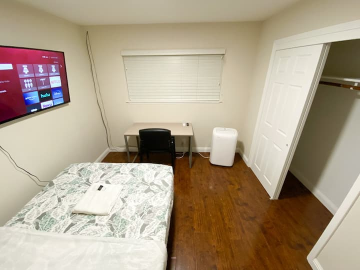 Private Bedroom with one Full Bed