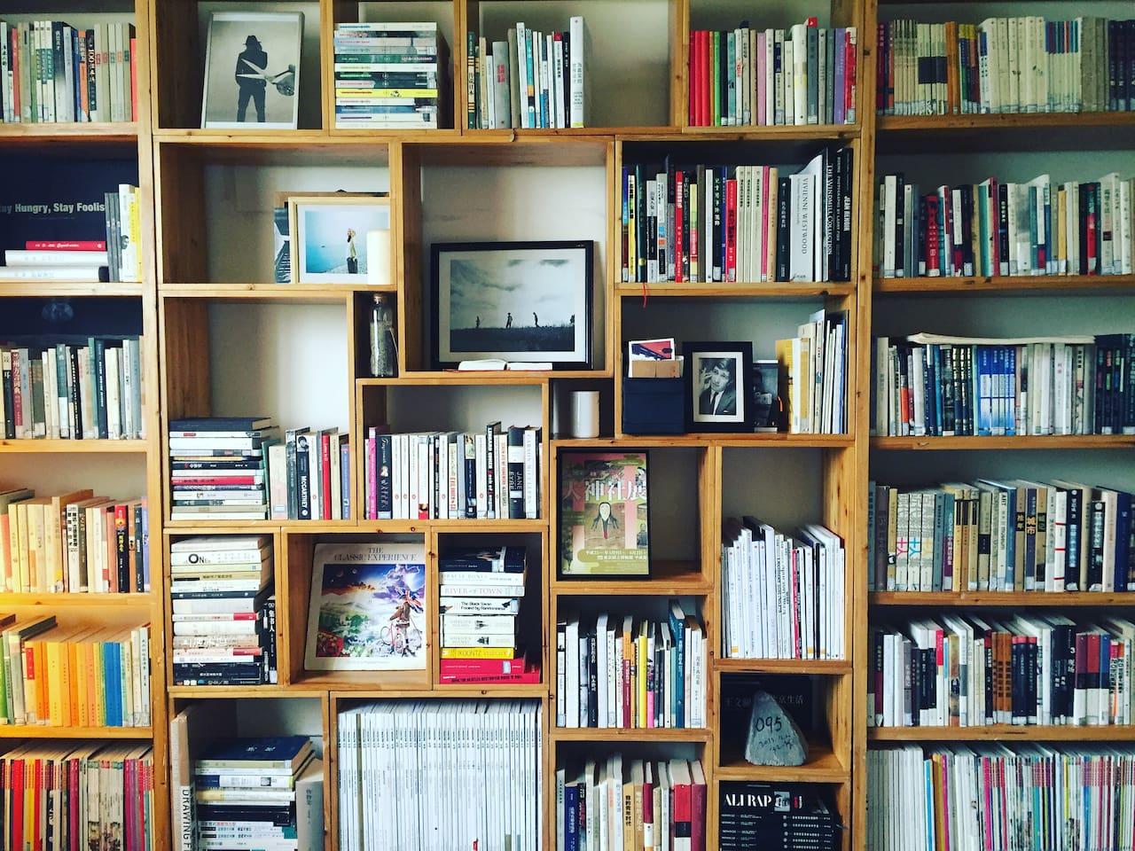 客厅就是一个图书馆