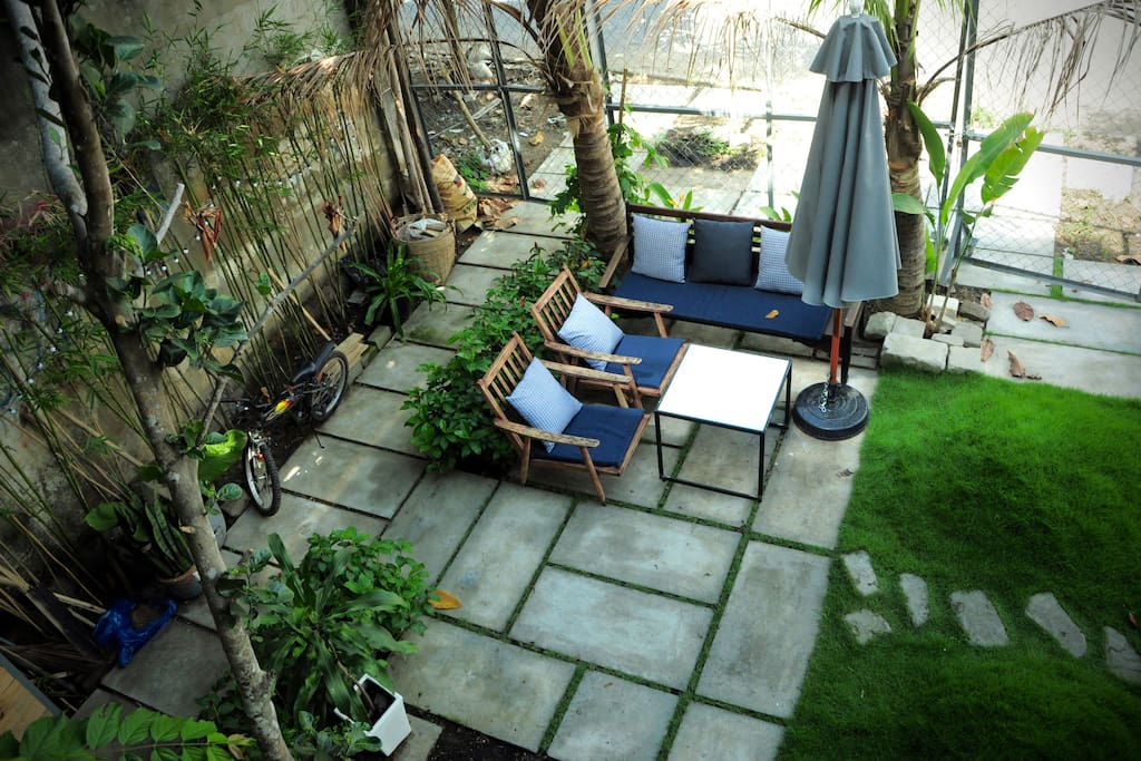 Small garden to chill and relax