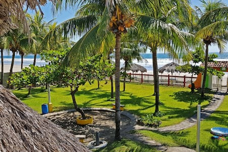 Casa de Playa Bosque de Mangle en Playa El Espino
