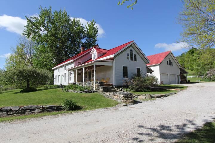 Smugglers' Mtn Rd Farm House Apt