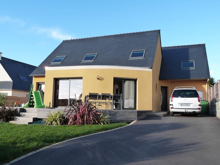 maison contemporaine houses for rent in saint renan bretagne france. Black Bedroom Furniture Sets. Home Design Ideas