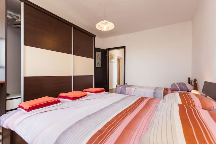 Private pool apartment in Medulin
