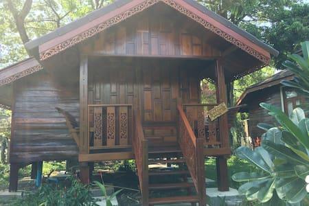 Chiang Mai Teak Resort - Chiang Mai