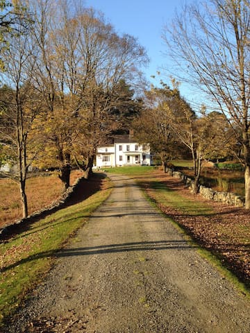 19 acre country estate, ~1 hour from NYC. - Katonah - Ev