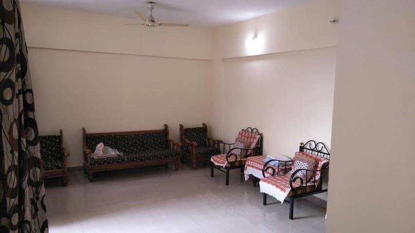 Fully equipped Apartment in Magarpatta(Jasminium)