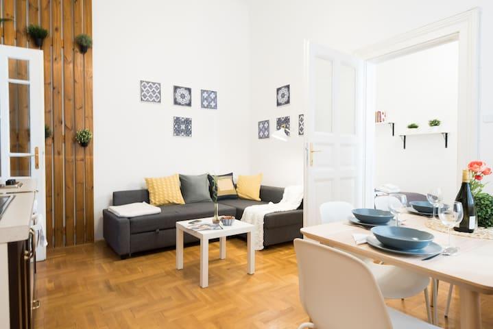 Super central quiet A/C home