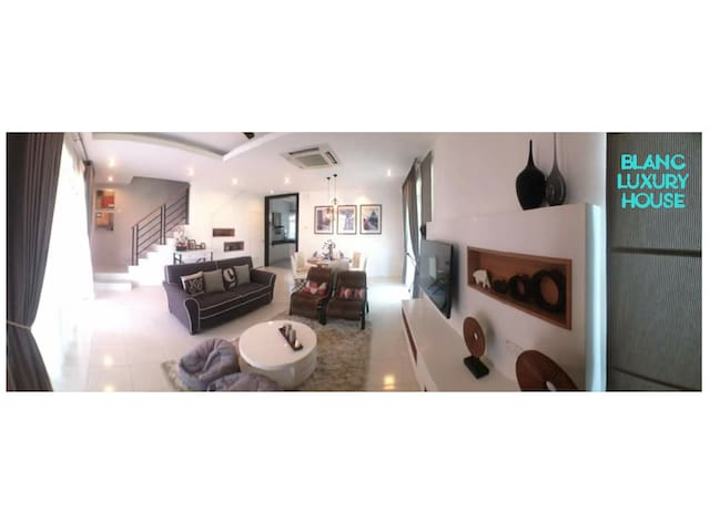 Blanc Luxury House, Ipoh Homestay - Party /Holiday - Ipoh - Talo