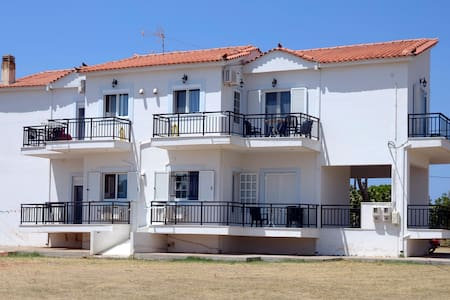 Appartment with easy access to elafonissos (Simos) - Vigklafia - Huoneisto